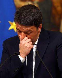 Matteo Renzi, en un momento de la comparecencia en la que anunciaba su dimisión como primer ministro italiano. - REUTERS