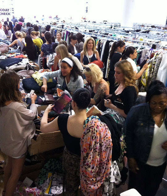 51a3cfc3cc Mizhattan - Sensible living with style   SAMPLE SALE  Diving into ...