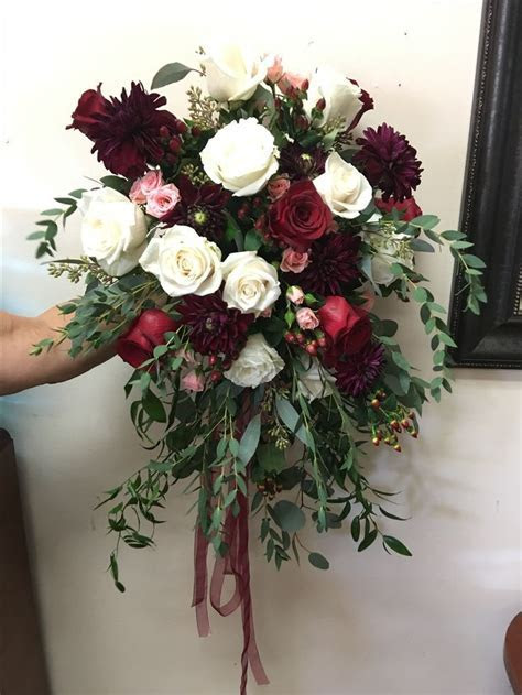 Dahlia, white roses, burgundy red roses assorted