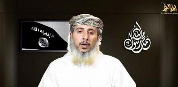 Nasser bin Ali al-Ansi, do braço iemenita da Al-Qaeda, é visto em vídeo no qual a organização terrorista reivindica os atentados de Paris (Foto: Reprodução/Twitter/LeNouvelObs)