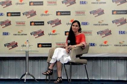 Durante o debate Yoani contou como iniciou sua relação com o mundo virtual.