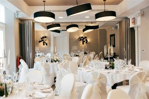 Top 10 Small Wedding Venues for Hire in Manchester