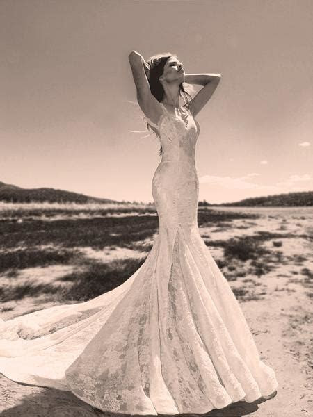 Lauren Elaine Verona   Backless Lace Wedding Gown with