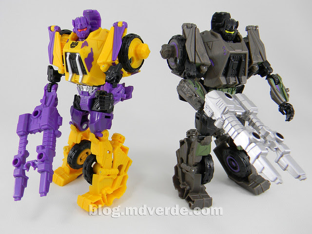 Transformers Onslaught Deluxe - G2 Fall of Cybertron - modo robot vs SDCC