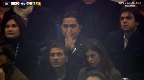 Erick Thohir prega dopo l'1-0 dell'Inter. Ansa