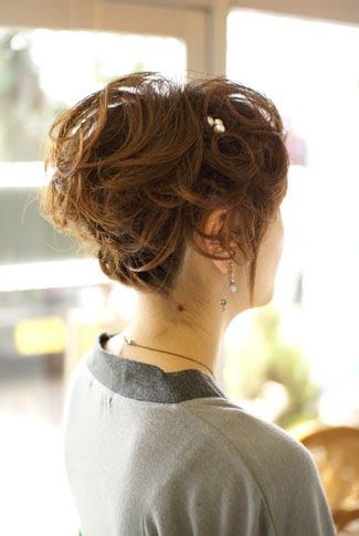 【ショートヘア編】結婚式のお呼ばれ髪型に、簡単アレンジ とき  - ショートヘアのアップスタイル