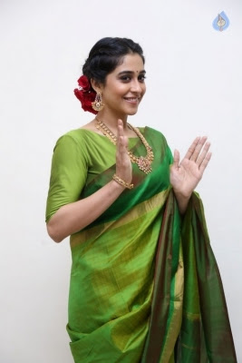 Regina Cassandra Photos - 23 of 37