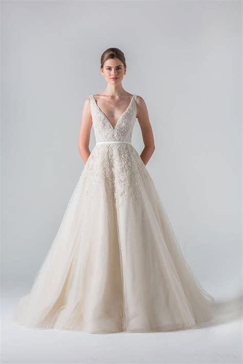 Meghan Markle Wedding Dress on Suits   POPSUGAR Fashion