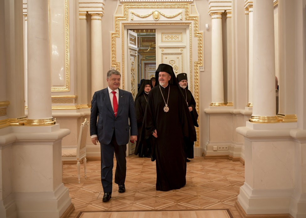 The decision to grant the Tomos of Autocephaly of the Ukrainian Orthodox Church should be approved by all the church canons - President