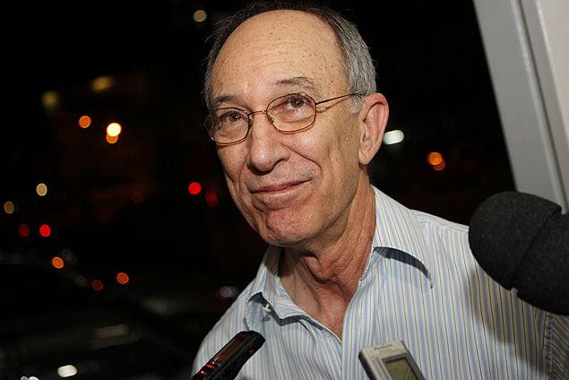 """O presidente do PT, Rui Falcão, disse que os laudos sobre as condições de saúde de Genoino estão sendo """"manipulados"""""""