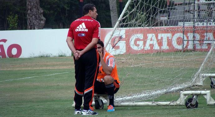 Treino do Flamengo - Luxemburgo e Wallace (Foto: Sofia Miranda)