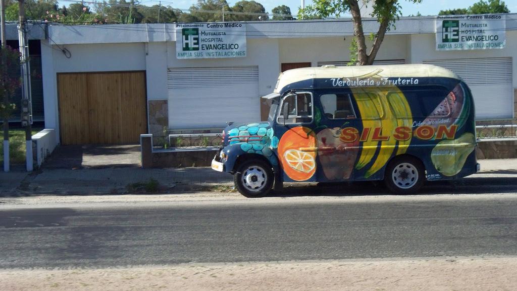 1968 Fordson Thames ex AMDET en Colonia, Uruguay.