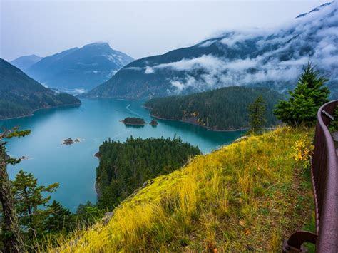 diablo lake  peak davis north cascades national park