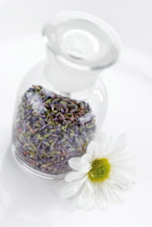 Picture of Lavender Buds In Glass Jar - Tipnut.com
