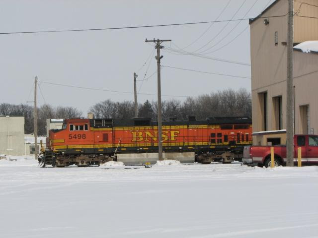 BNSF 5498 in Grand Forks