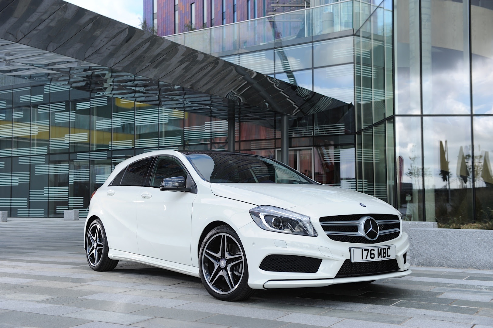 Mercedes-Benz UK Reports Best-Ever Registrations in 2013 ...