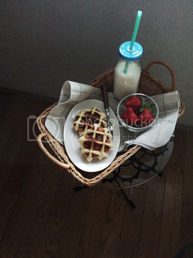 dessert / breakfast - liege waffles
