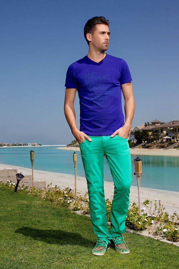 Forecast-Look-Book-Summer-Men-Outfits-2013-Fahion-of-T-Shirts-and-Pants-for-Boys-9