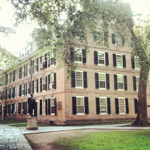 Yale by la casa a pois