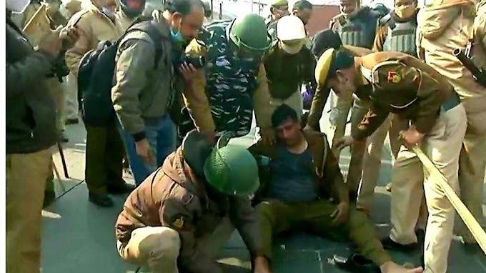 Delhi Violence: जब दंगाइयों ने बैरिकेड पर मारी टक्कर, 10 फीट उछल कर पुलिसकर्मी पर गिरा; फिर जो हुआ
