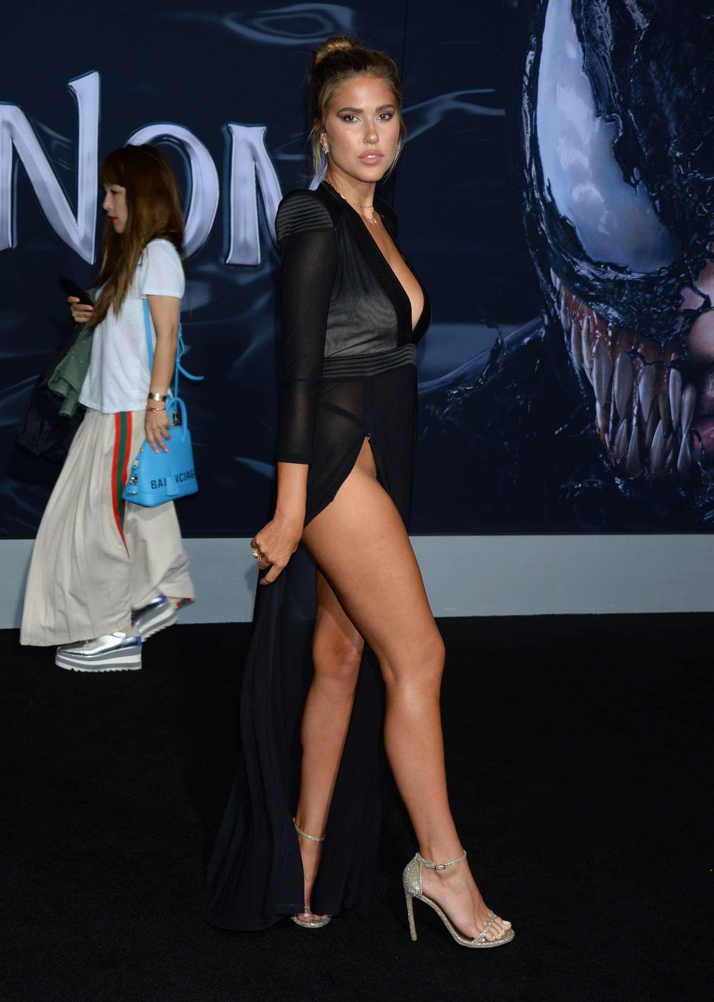 Kara Del Toro – 'Venom' Premiere in Los Angeles