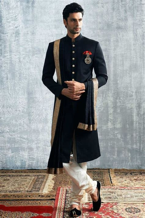 wear   indian wedding   male guest