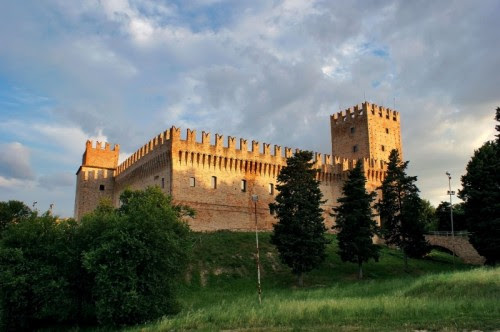 Risultati immagini per Castello della Rancia di Tolentino,