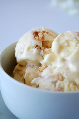 Lemon tart ice cream / Sorvete de torta de limão siciliano