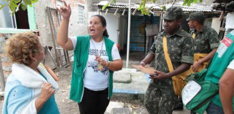 No Recife, Exército e agentes de saúde vão percorrer casas para orientar a população / Foto: Alexandre Gondim/JC Imagem