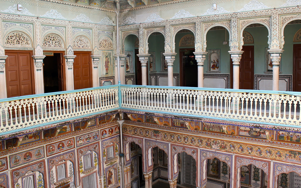 Mughal arches on the ground floor, European ones on the first