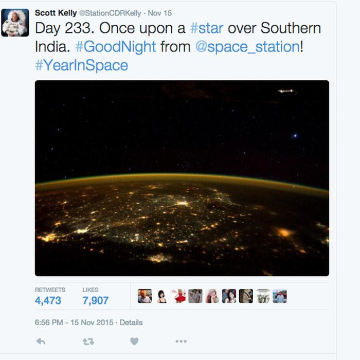Scott Kelly y Foto del espacio que muestra un OVNI
