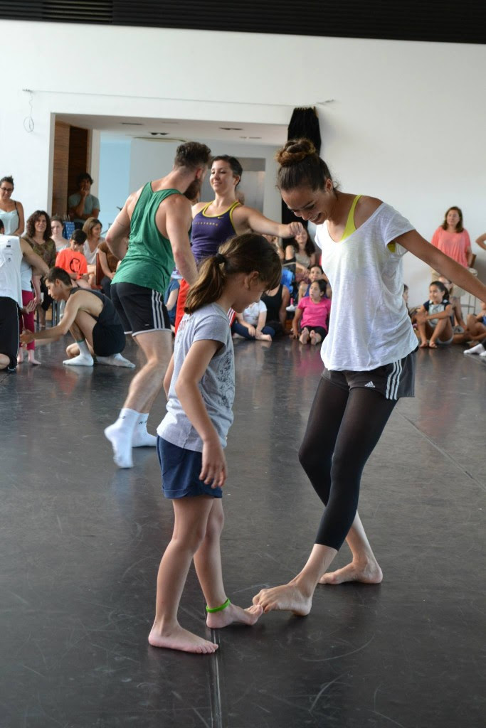 The Balletvale+ dancers join the dancers of Generalitat Valenciana
