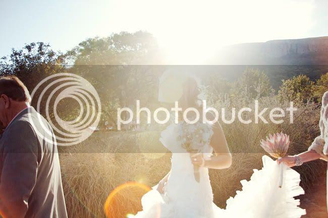 http://i892.photobucket.com/albums/ac125/lovemademedoit/PARRY_Ceremony_059.jpg?t=1319741428