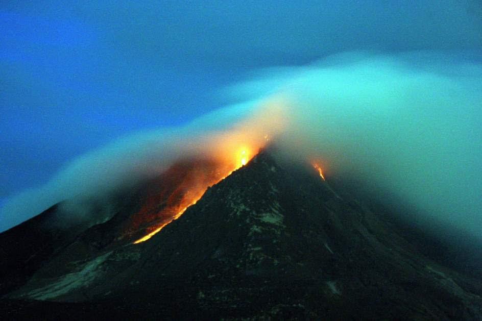 Evacuaciones en torno al volcán Sinabung