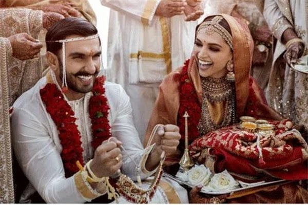 9847cc6c04 Google News - Deepika Padukone and Ranveer Singh's wedding pictures ...