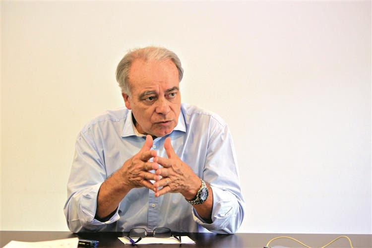 Carvalho da Silva: 'PCP terá de se adaptar para um novo ciclo'