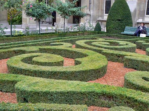 jardins de Carnavalet.jpg