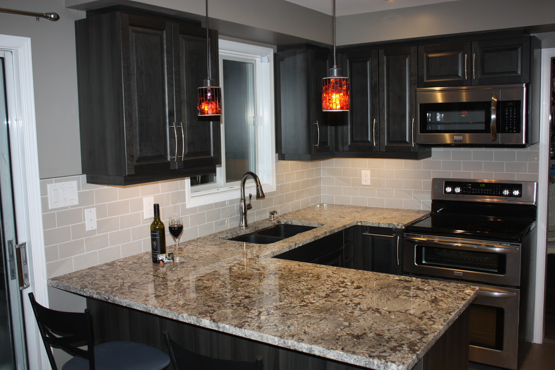Kitchen renovation makeover in Orillia, Ontario. Kitchen ...