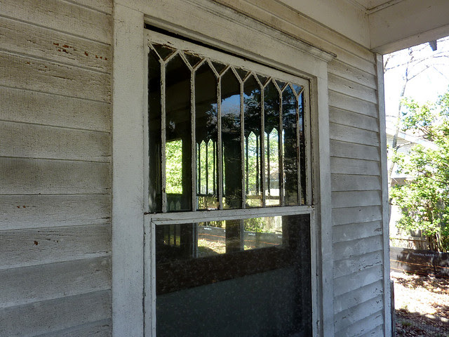 P1170758-2013-03-19--1148-North-Highland -VaHi-Teardown-before-North-Unit-B-parlor-windows-from-porch