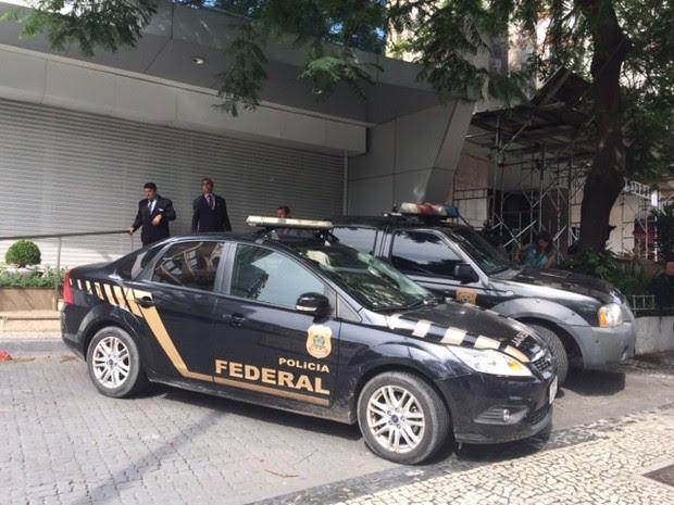 Agentes da PF estiveram na sede da Odebrecht Oléo e Gás, em Botafogo, Zona Sul (Foto: Alba Valéria Mendonça/G1)