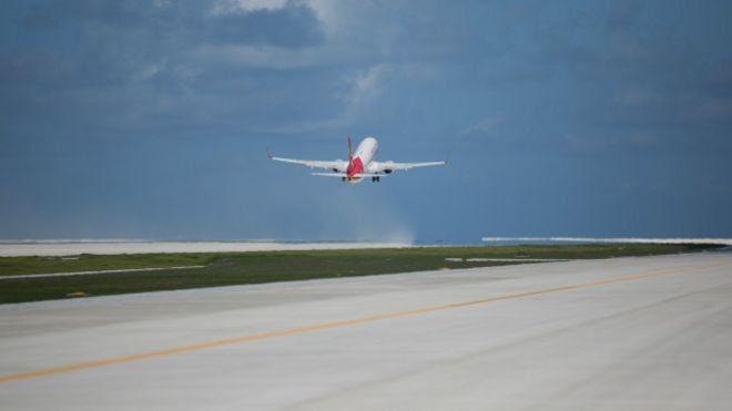 Trung Quốc thử hạ cánh trên đường băng ở Đá Chữ Thập