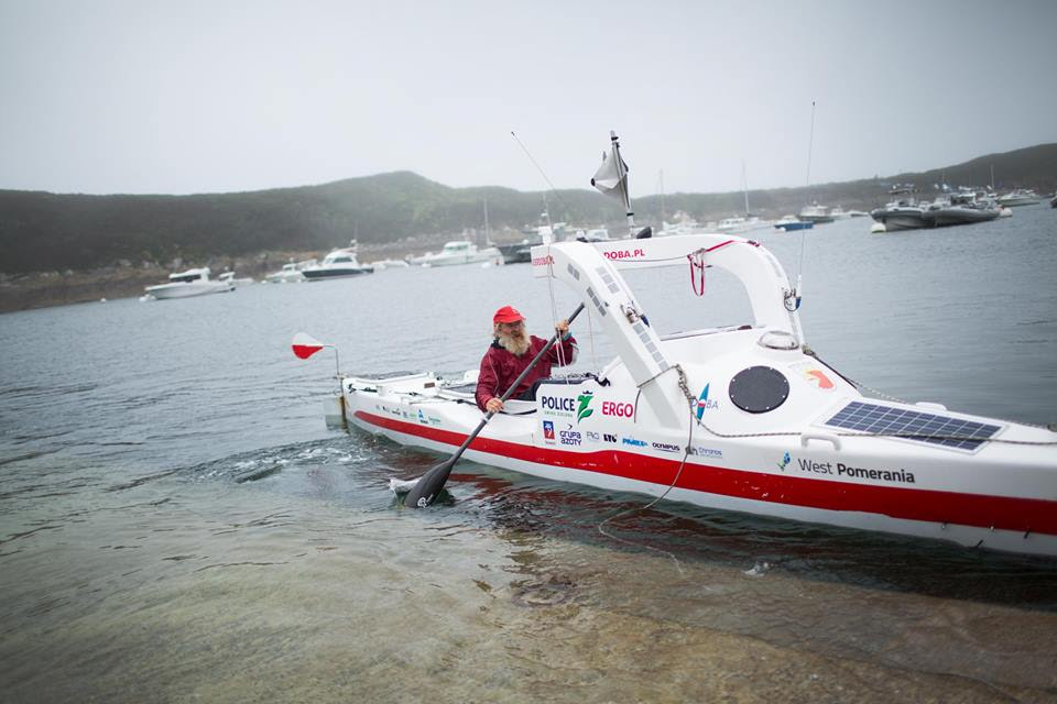 Оба раза Александер Доба устанавливал рекорды - самые продолжительные заплывы человека на открытой в