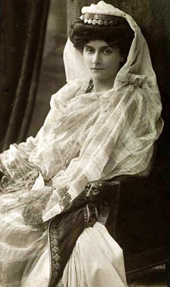 Η Μαρία Βοναπάρτη ντυμένη νύφη