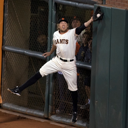 http://blogs.mercurynews.com/giants/files/2014/10/pence-catch.jpg