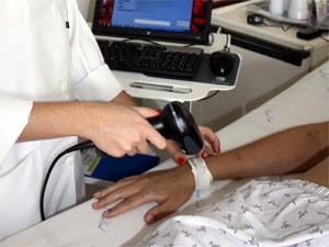 Software amazena prontuário do paciente por meio de código de barras no Hospital das Clínicas Ribeirão (Foto: Gilberto Soares Junior/HC-RP)