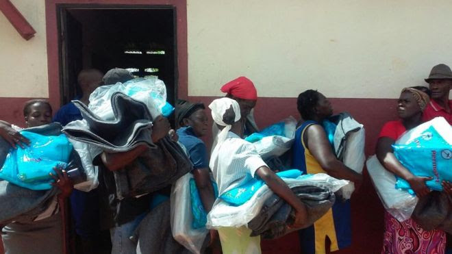 Moradores fazem fila em Paillant