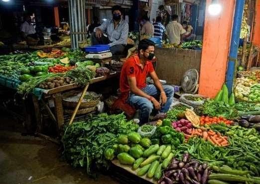 ठंड और किसान आंदोलन के कारण दिल्ली-एनसीआर में दमाटर के दाम दोगुना बढ़े, जानिए दूसरी सब्जियों के दाम