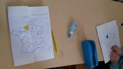 Rallye cartes postales ou comment faire découvrir à mes élèves les lapbooks...