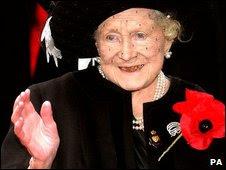 Queen Mother in large poppy