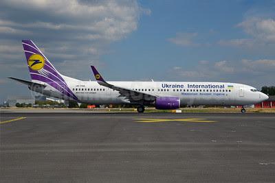 Ukraine International Airlines Boeing 737-94X ER WL UR-PSK (msn 36086) (Sky Airlines colors) FRA (Bernhard Ross). Image: 913313.